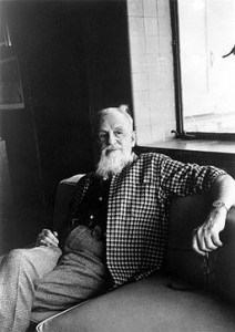 Rex Stout seated, 1975, by Jill Krementz [Public domain] via Wikimedia Commons