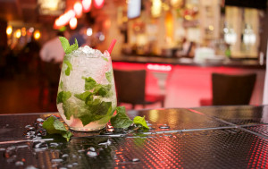 Mojito cocktail on a bar by Dave Meier from stocksnap.io