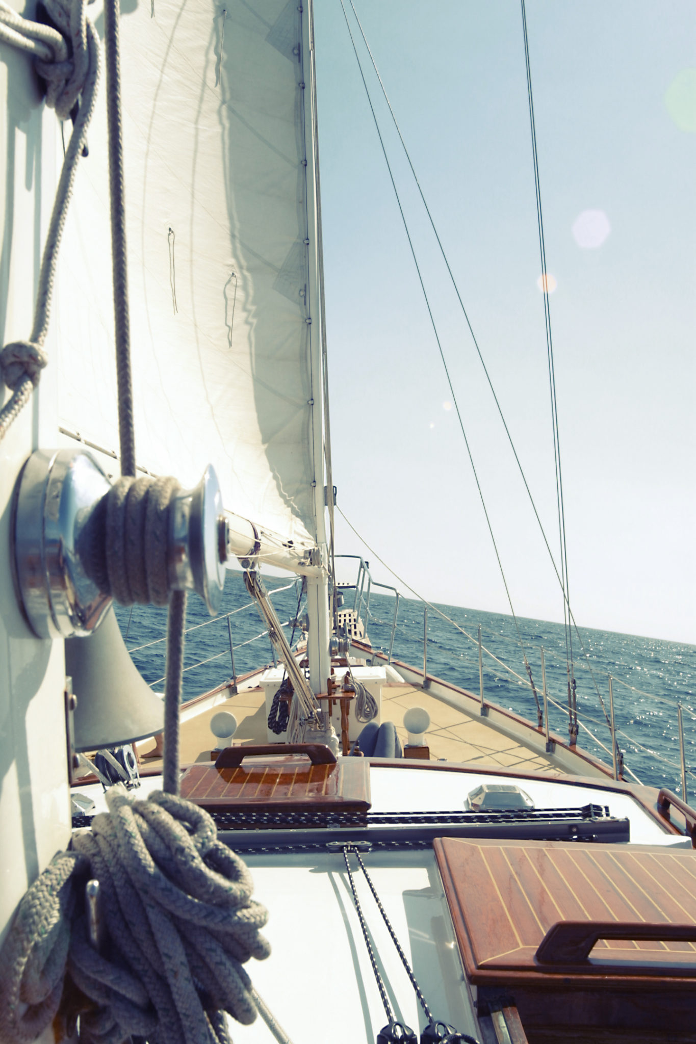 Sailboat view by Leeroy from stocksnap.io