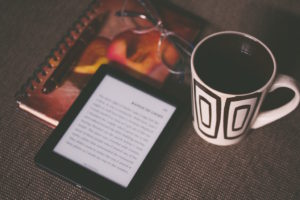 Ereader and coffee by Aliis Sinisalu from stocksnap.io