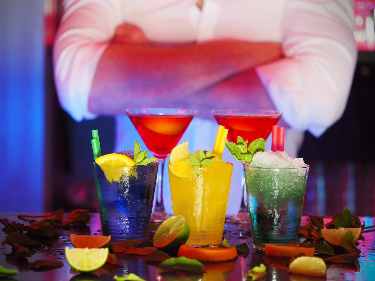 Bright alcoholic drinks by energepic from stocksnap.io